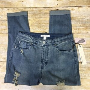 Life in progress high waist distressed jeans. S 27
